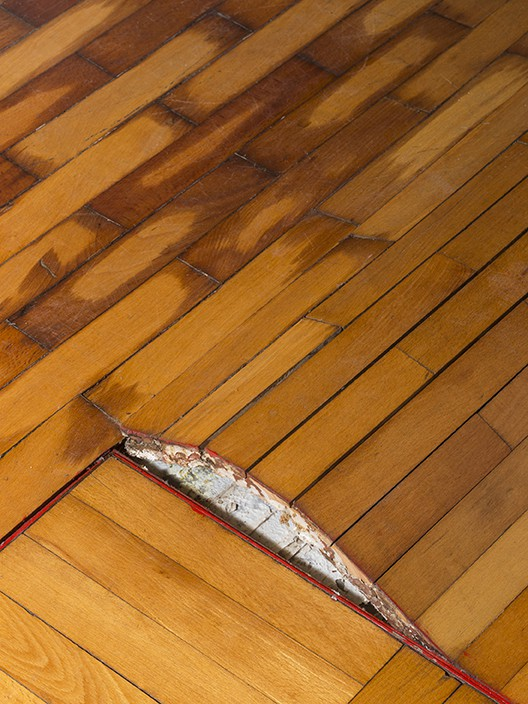Why Flooring Installers Need To Measure Moisture Content In Wood